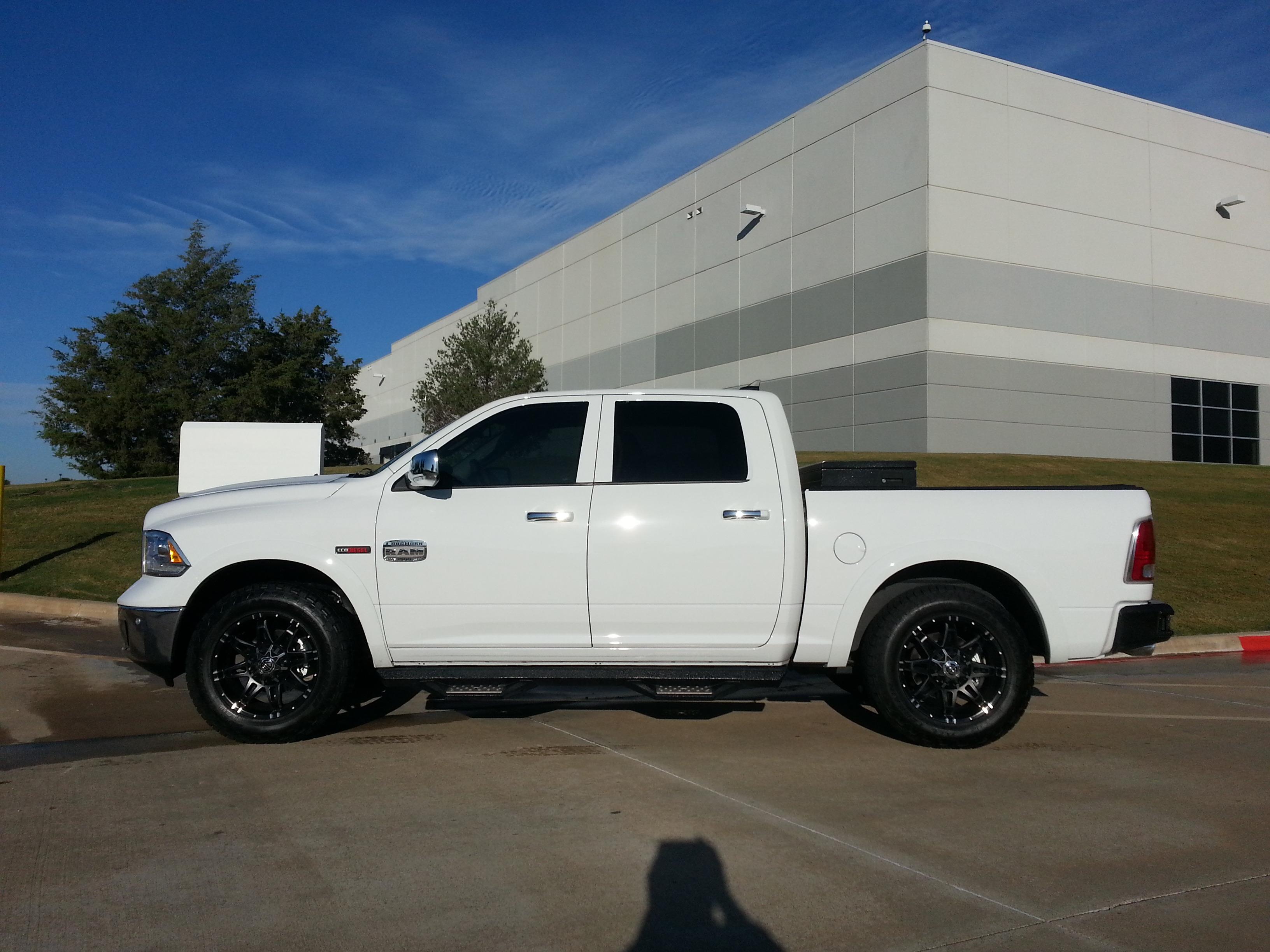 Dodge 1500 Ecodiesel >> 275-65-20 vs 295-60-20