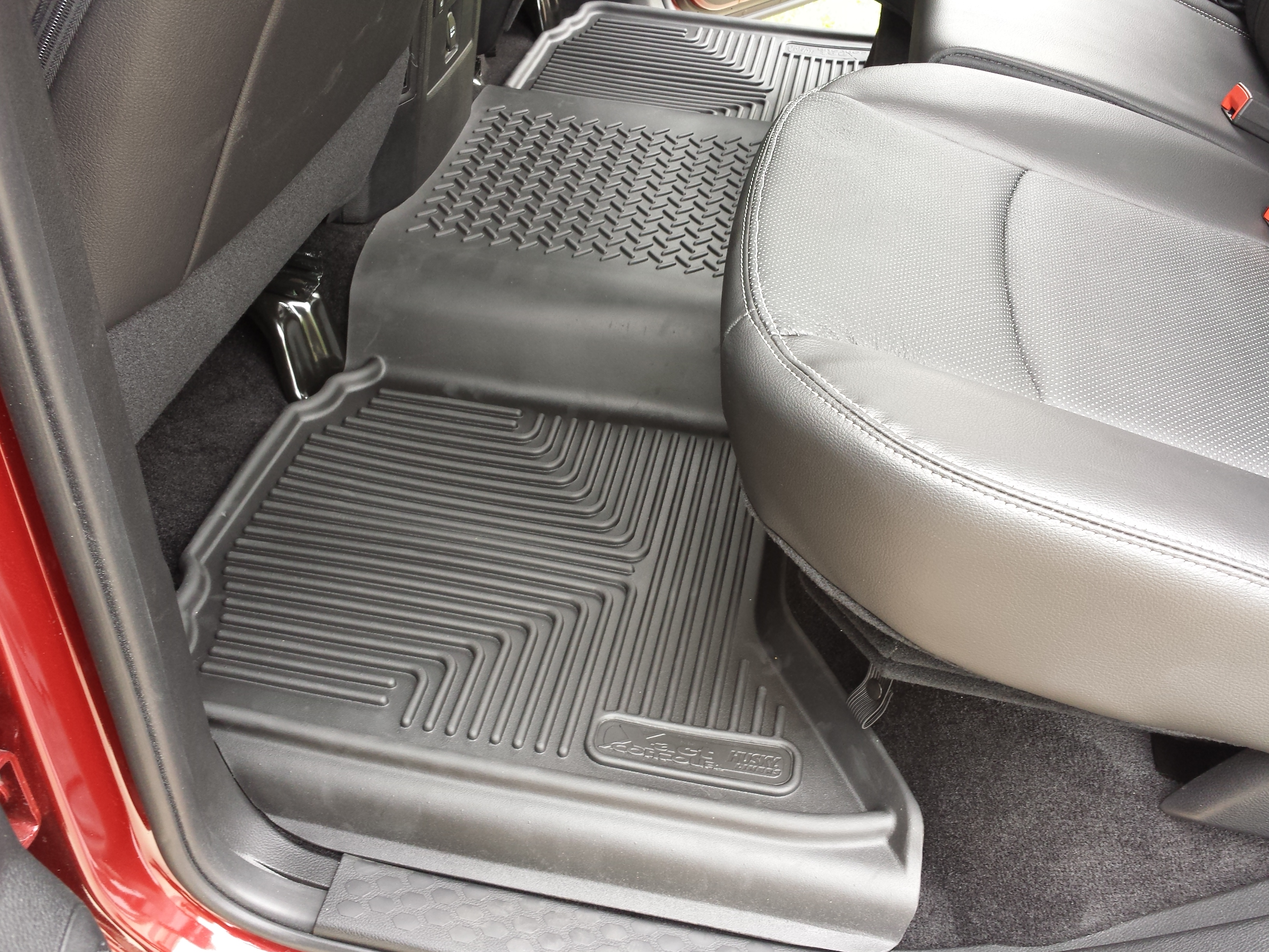 mat floor the black coverage over avm mpn universal and weathertech full hump row mats