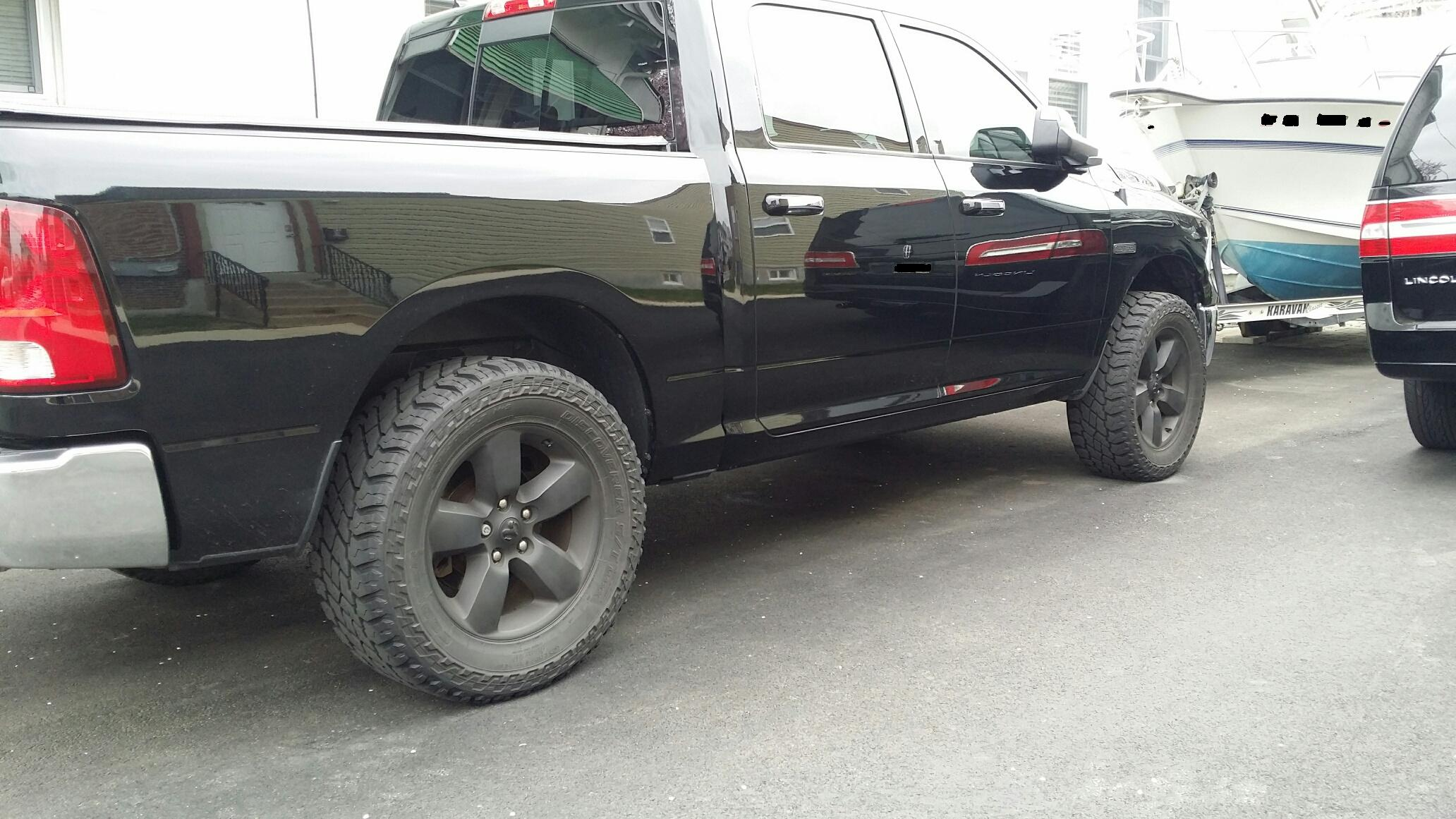 "35 inch tires on Stock 20"" wheels-Lift Kit required, or is level kit ok? - Page 2"