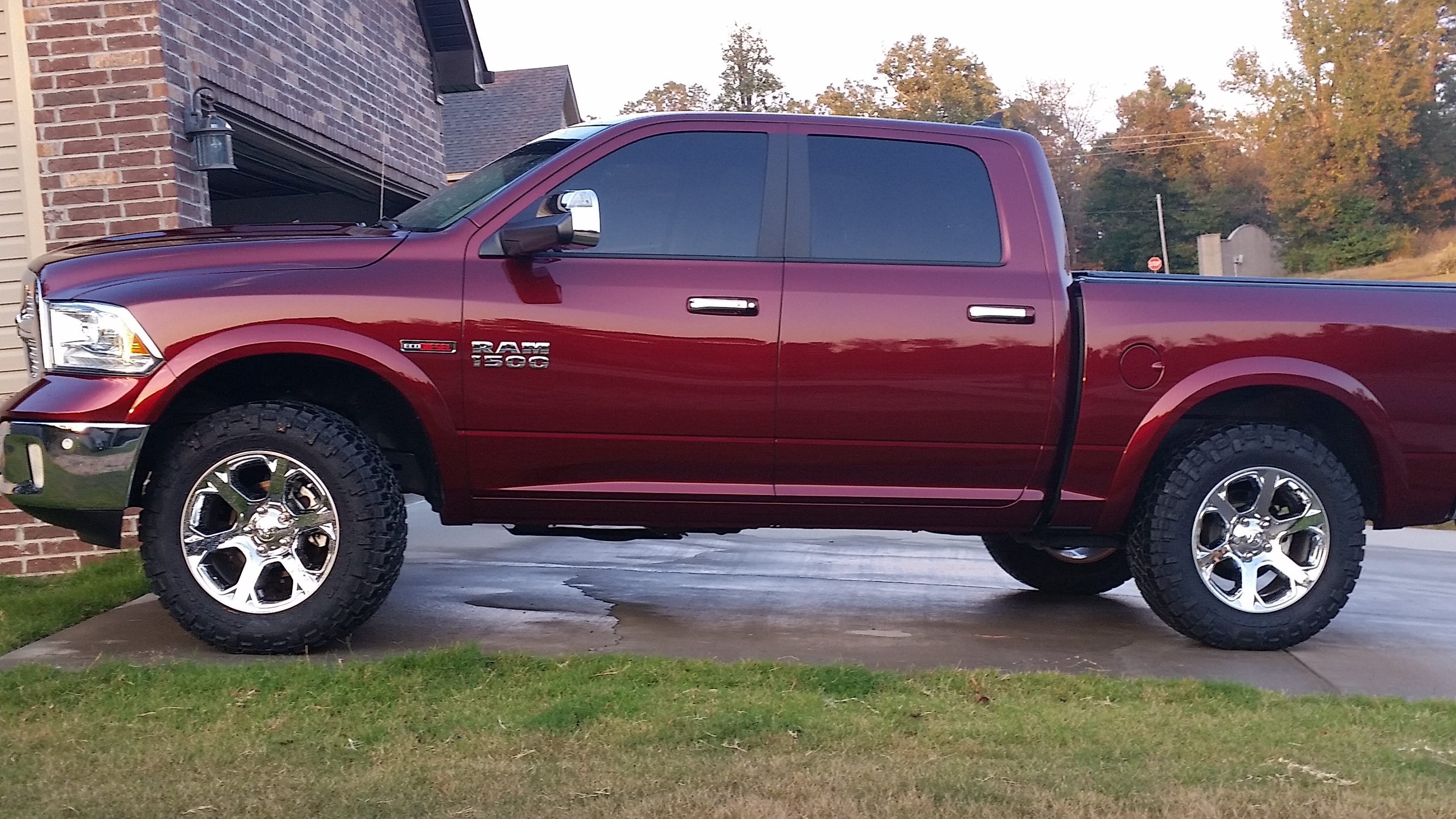 "Lifted Ram Ecodiesel >> 35 inch tires on Stock 20"" wheels-Lift Kit required, or is level kit ok? - Page 4"