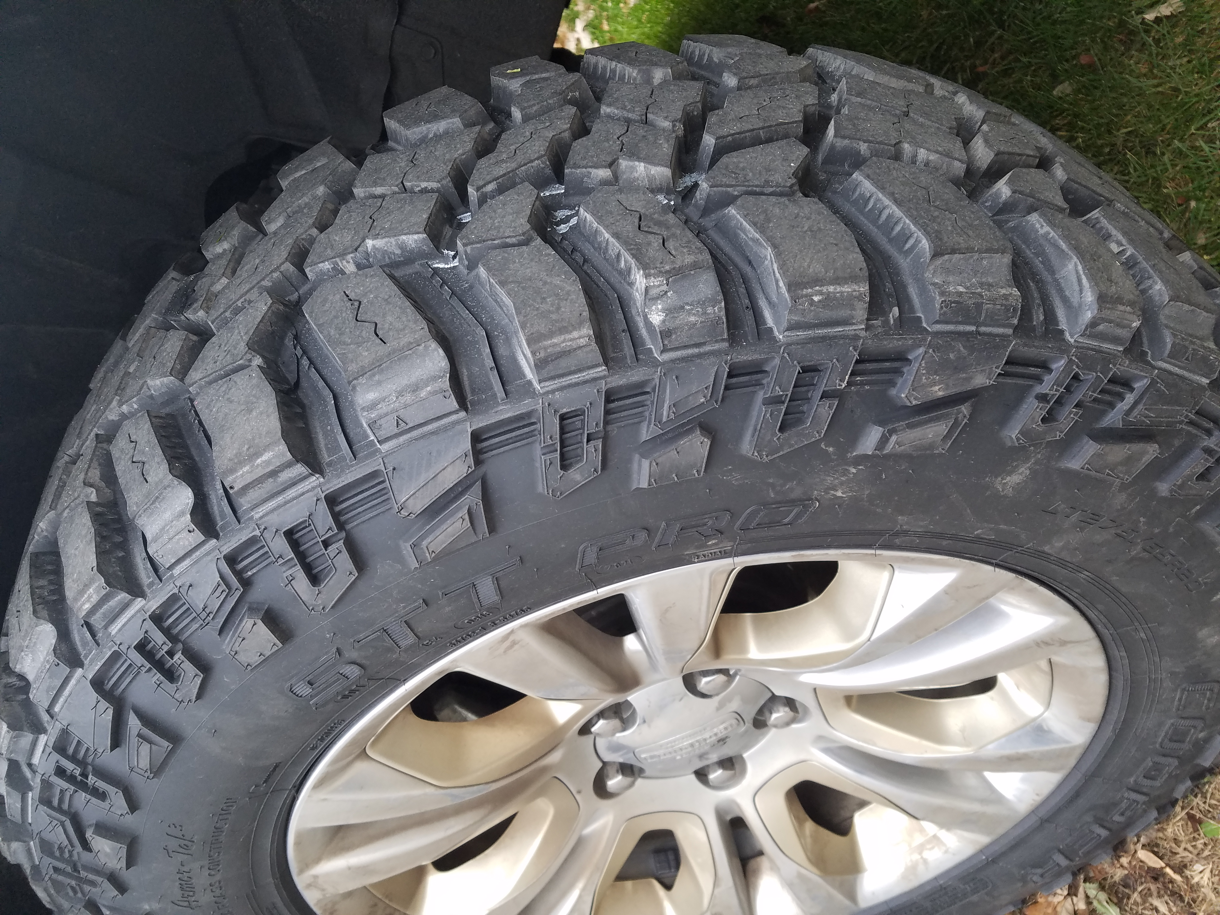 35 Inch Tires On Stock 20 Quot Wheels Lift Kit Required Or Is