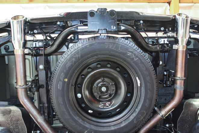 OEM Receiver Bumper Hitch-21-2015-ram-1500-ecodiesel-dual-exhaust-full-size-spare-tire.jpg