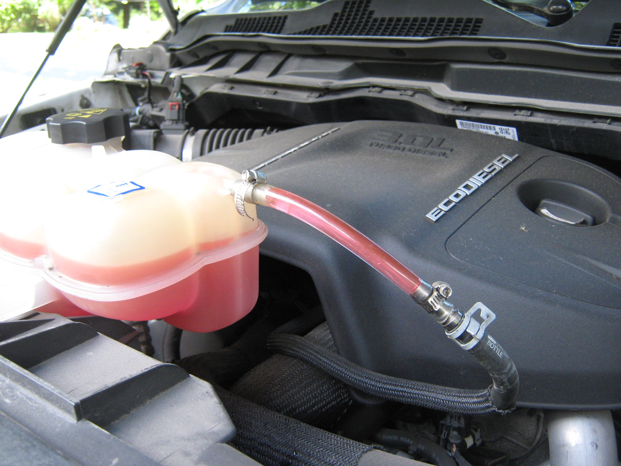 Mysterious coolant level going UP...-img_2624.jpg